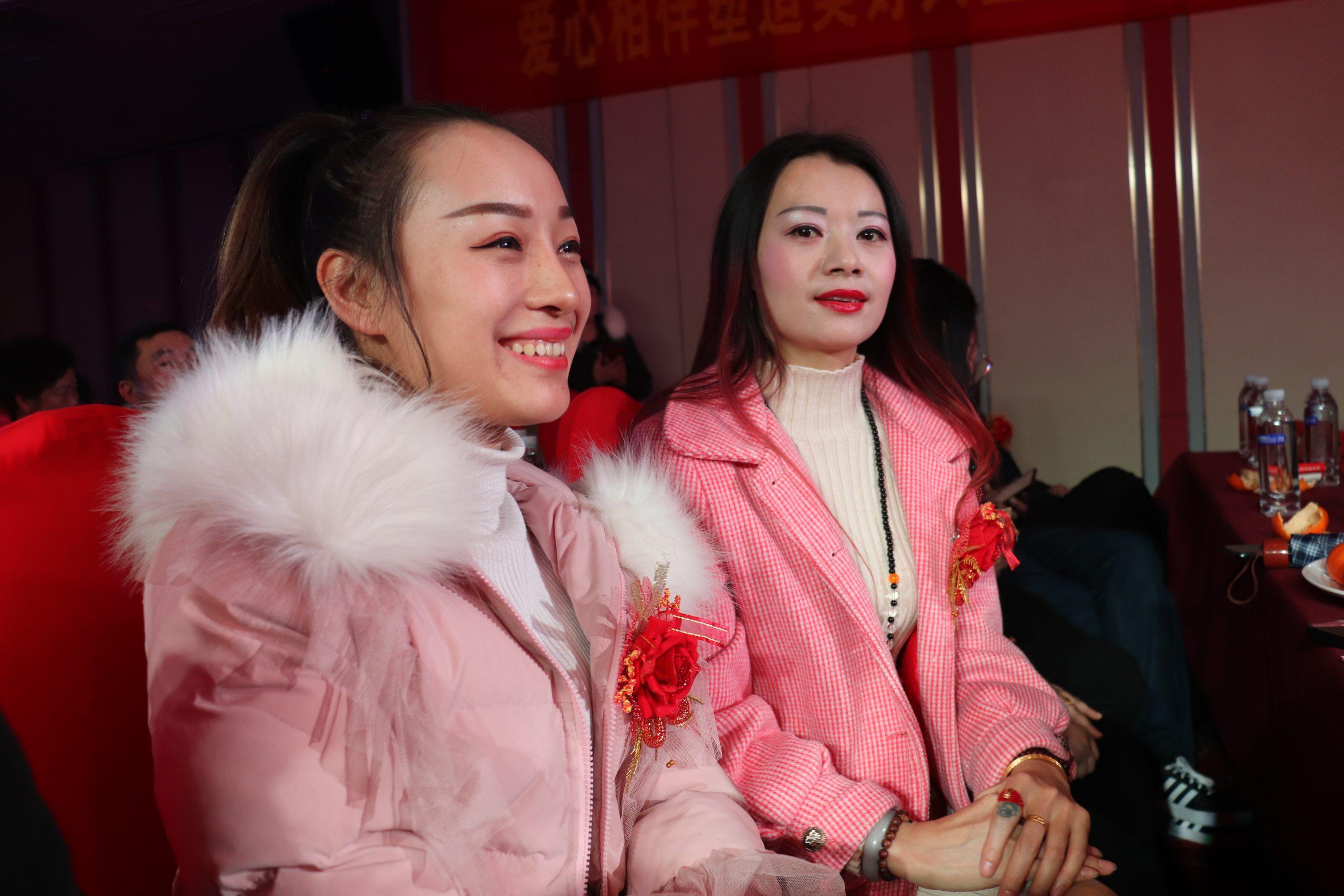 新化县博爱助学会募集善款80余万资助300余名贫困学子重返校园