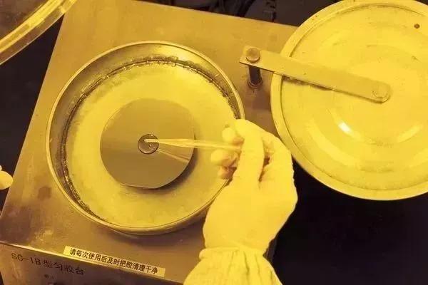 光刻机、芯片等被卡脖的35项技术