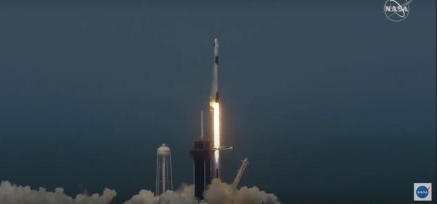 SpaceX首次载人发射任务成功!为何具有历史意义?
