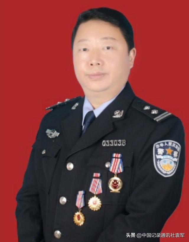 警嫂基金管理委会慰问凉山森林消防烈士家属