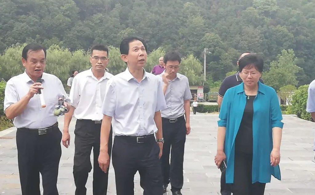 九江市政府副市长李小平到义门陈文化园调研