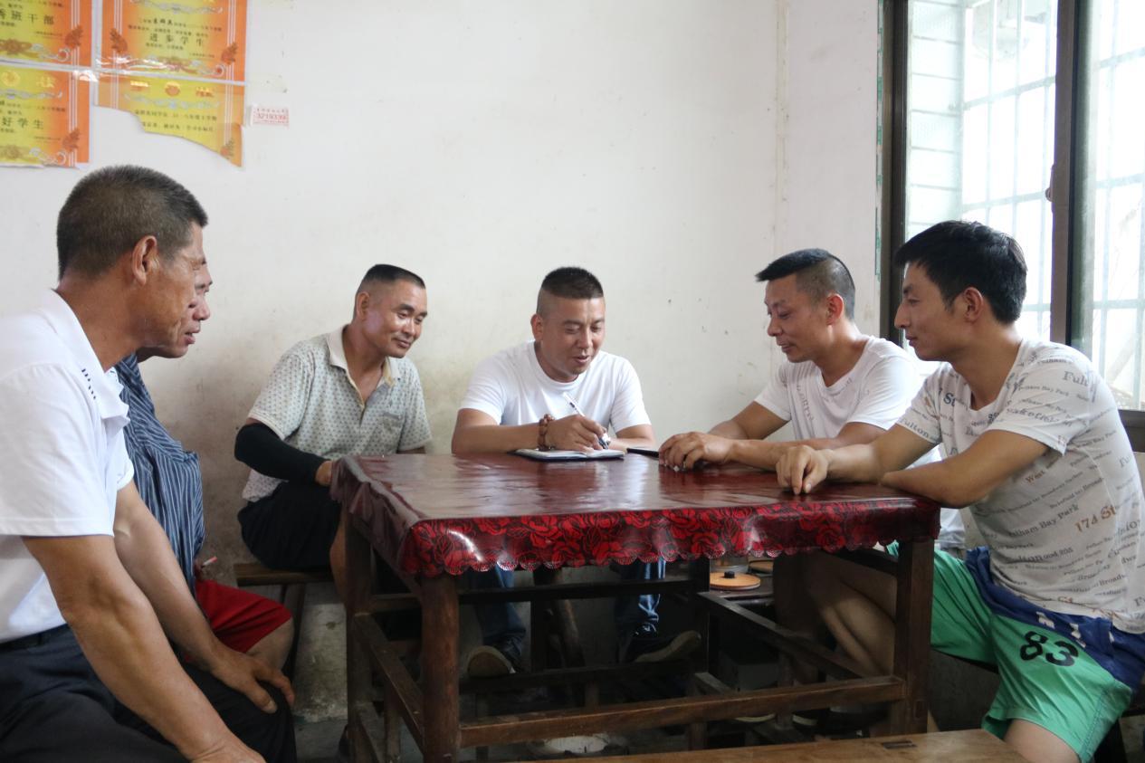 新化上渡街道:村民合力施救落水少年获点赞